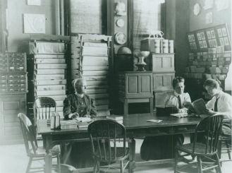 Photo File Grace Raymond Hebard, Negative Number 22184 and American Heritage Center, University of Wyoming