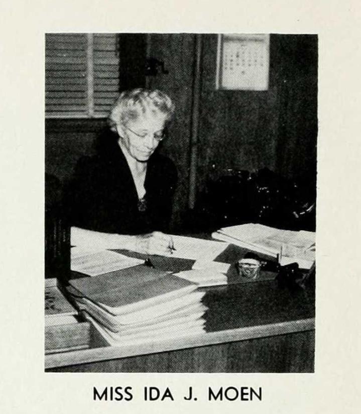1945 University of Wyoming Yearbook